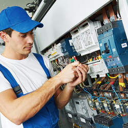 Serviços de montagem de cabos