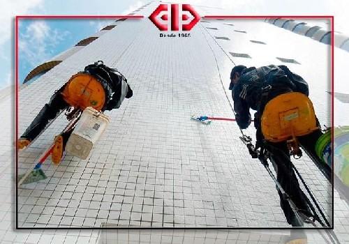 Serviço de limpeza de fachada